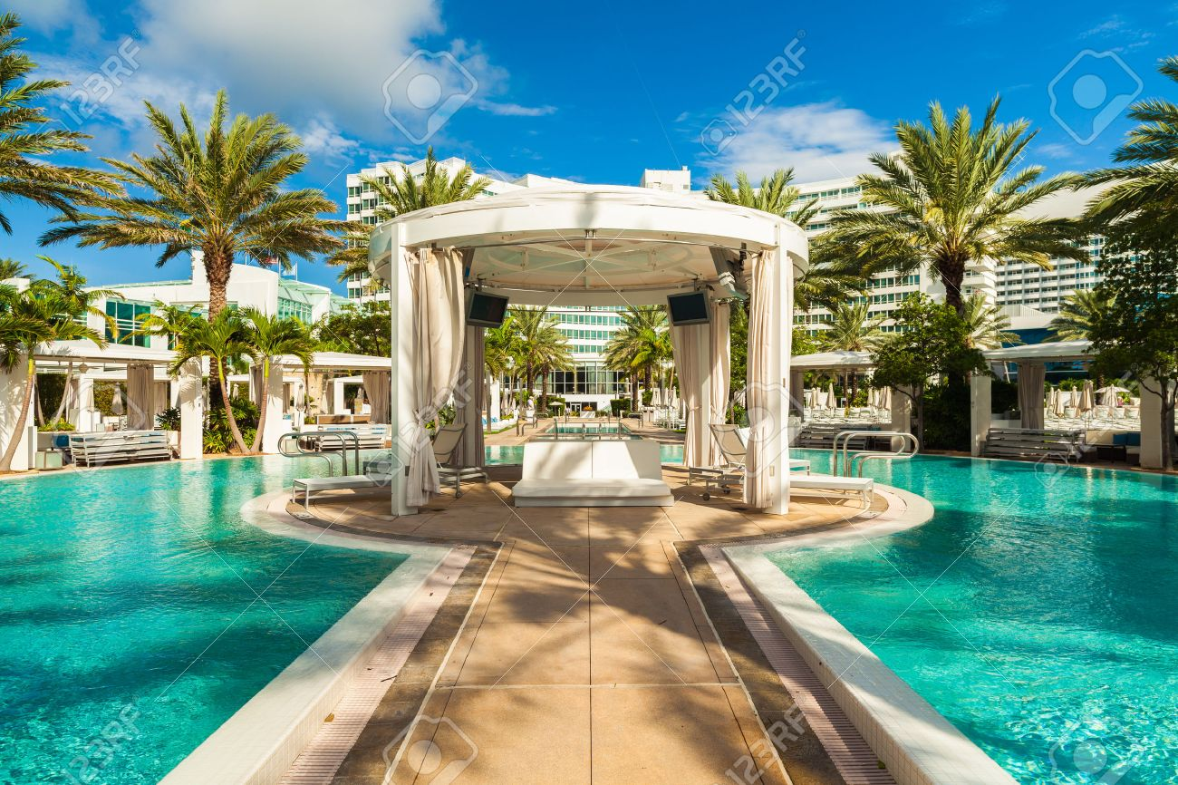 Miami Beach Fl Usa Octobet 3 2012 Der Schone Poolbereich Des