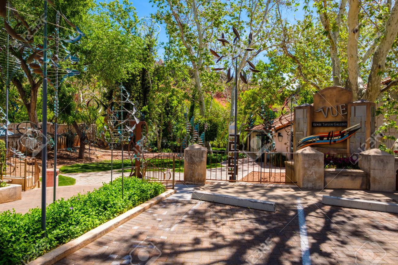 Sedona Arizona Usa May 2 2017 The Tlaquepaque Arts And Crafts
