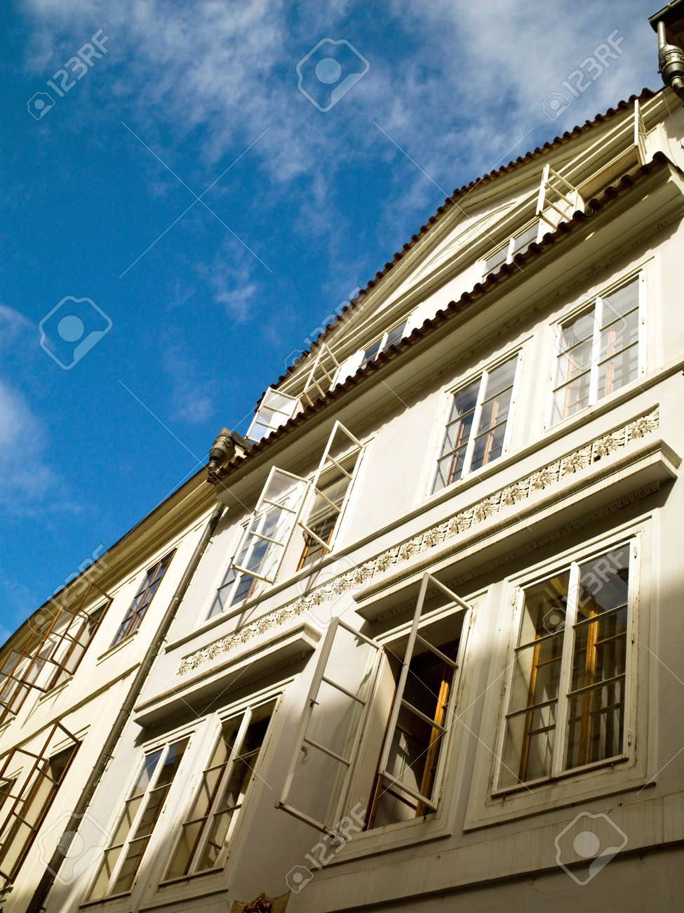 Beautiful architectural building Stock Photo - 12370104
