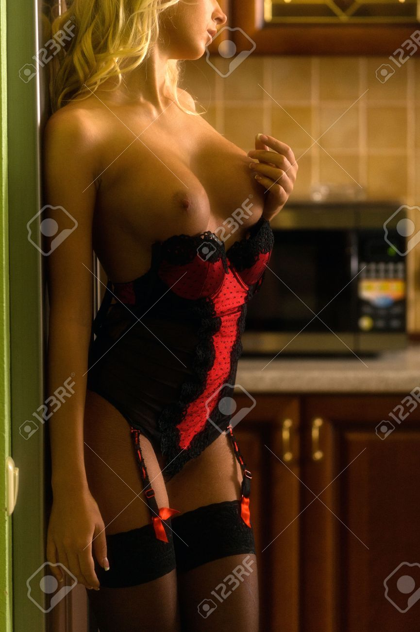 Nackt in der kuche