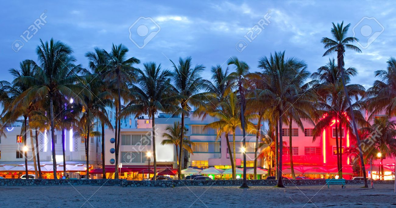 Miami Beach Florida Hotels Und Restaurants Bei Sonnenuntergang Am