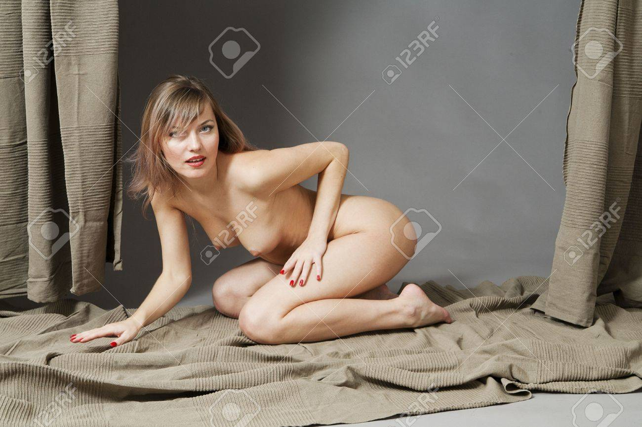 Портреты голых девок 28 фотография
