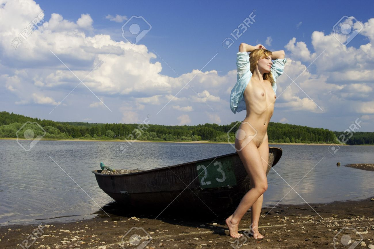 Смотреть порно в лодке онлайн 16 фотография