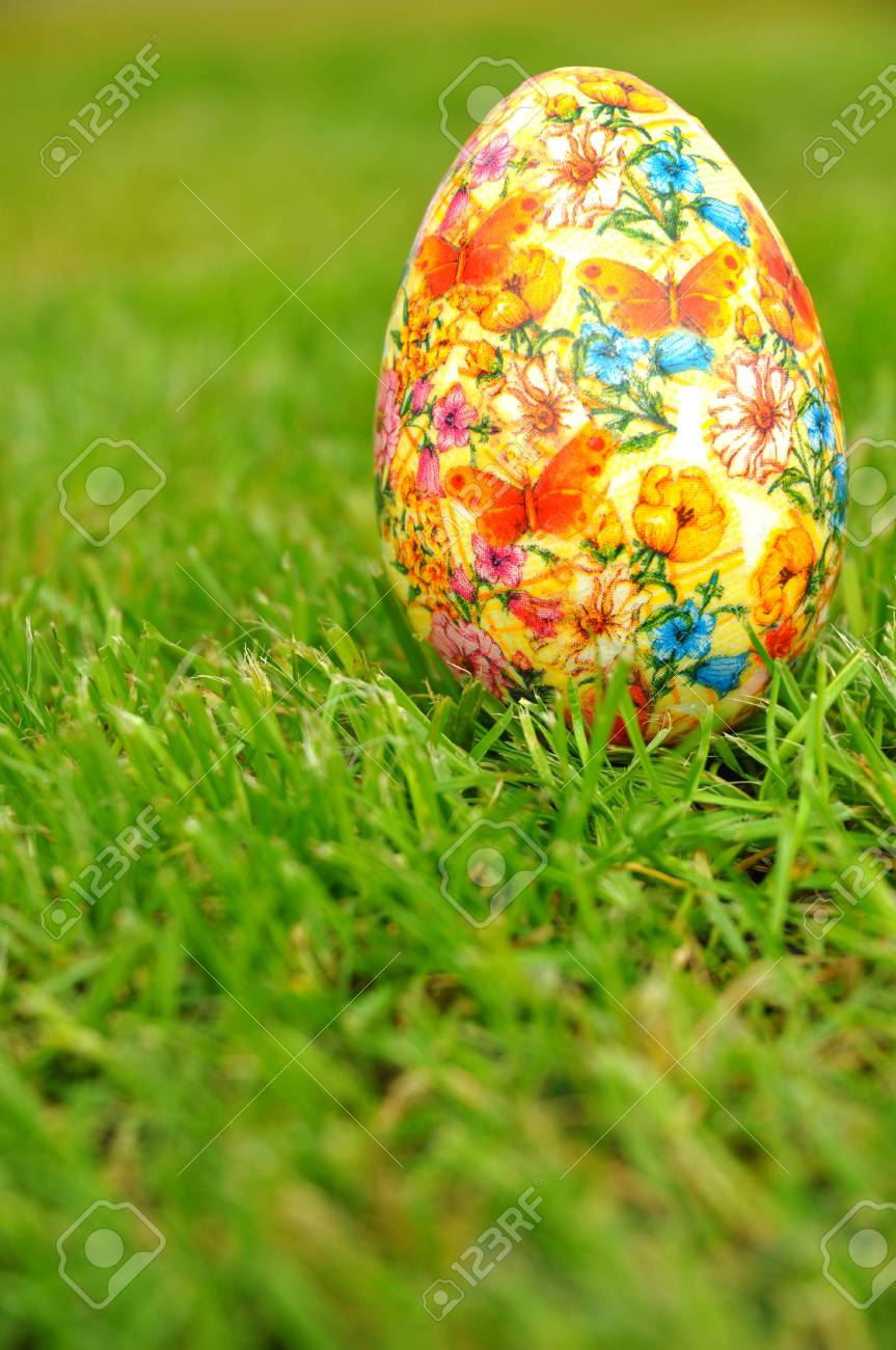 Easter egg decoration Stock Photo - 16963230