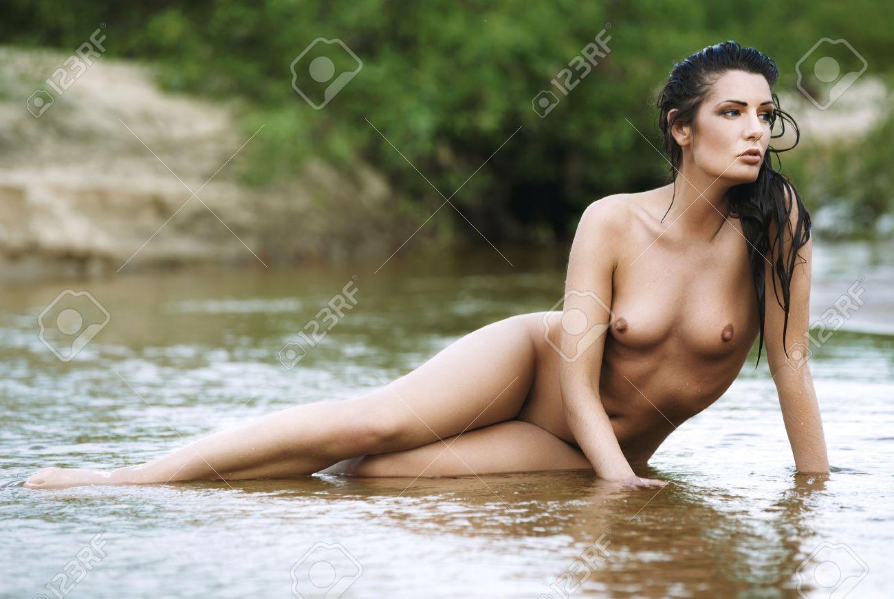 Nackt wasser girls sexy Deutsche Unterwassersex