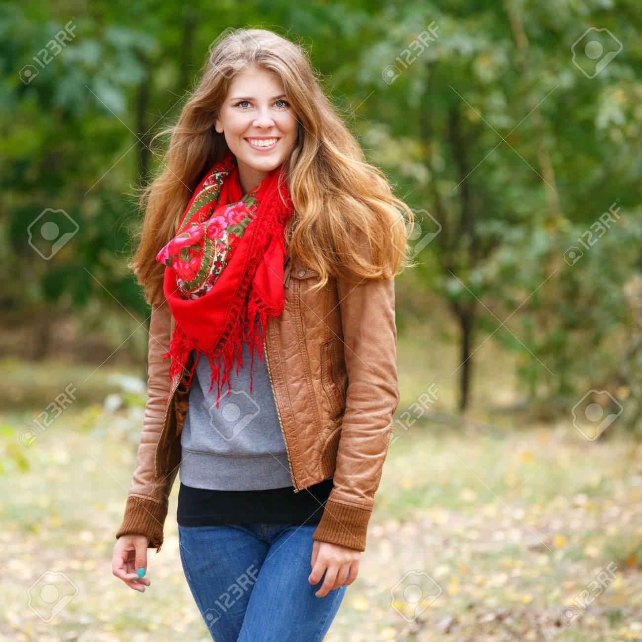 hübsche frau rote haare