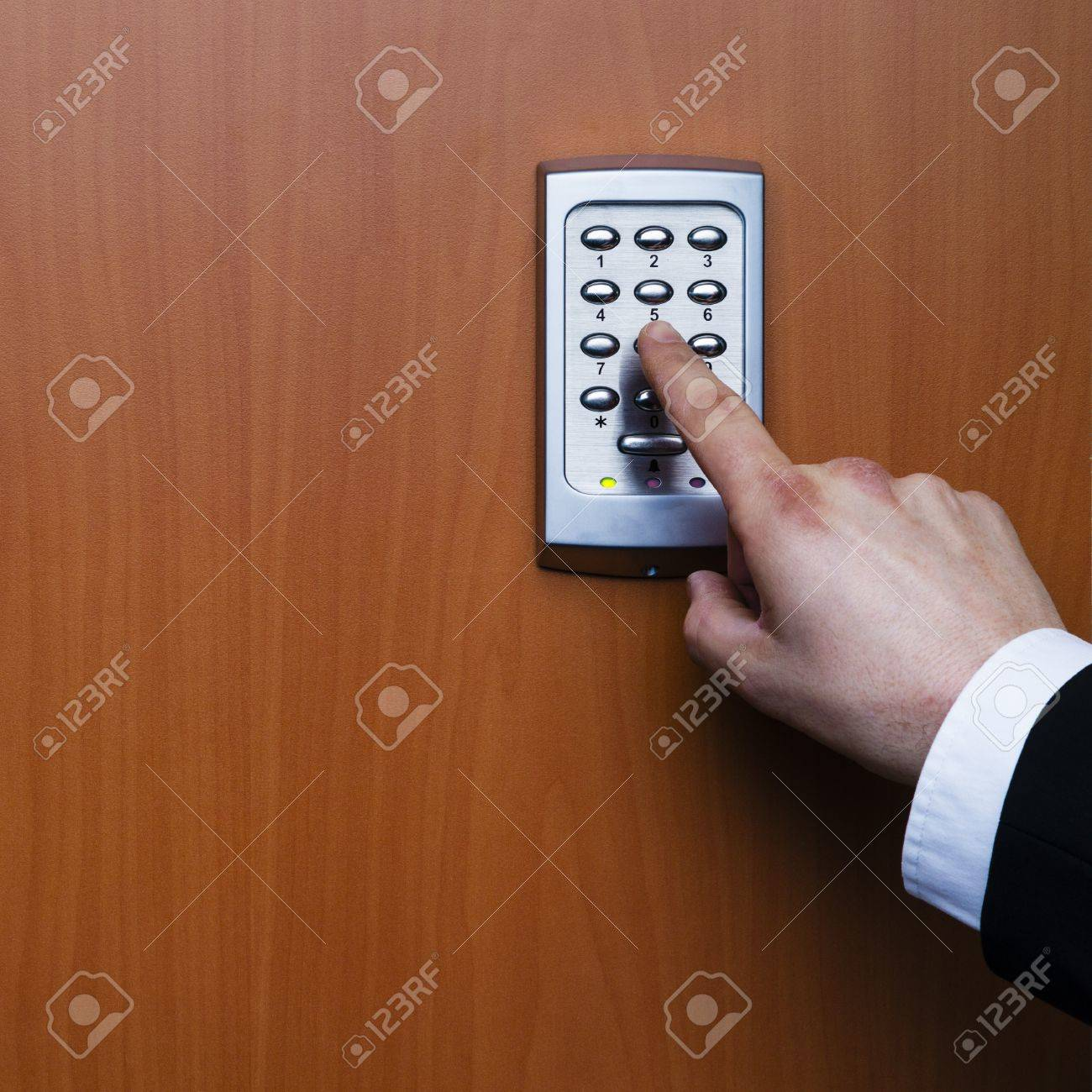 electronic key system to lock and unlock doors Stock Photo - 17629399 & Electronic Key System To Lock And Unlock Doors Stock Photo Picture ...