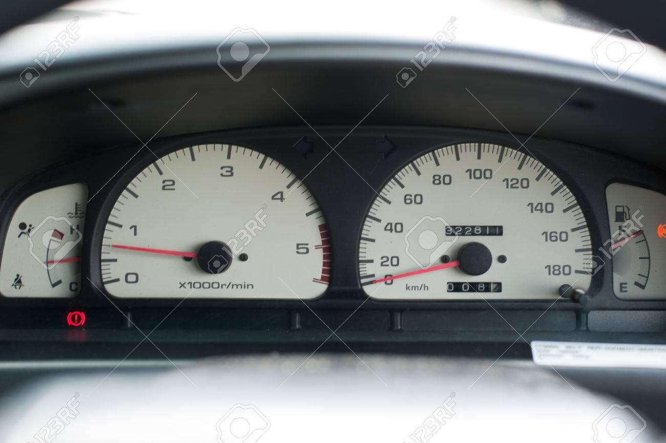 Armaturenbrett auto  Auto-Armaturenbrett, Tachometer Und Andere Messgeräte Im Auto ...