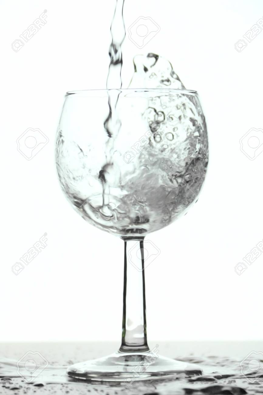5d3d1788746 Glass that is filled with fresh water Stock Photo - 16981650