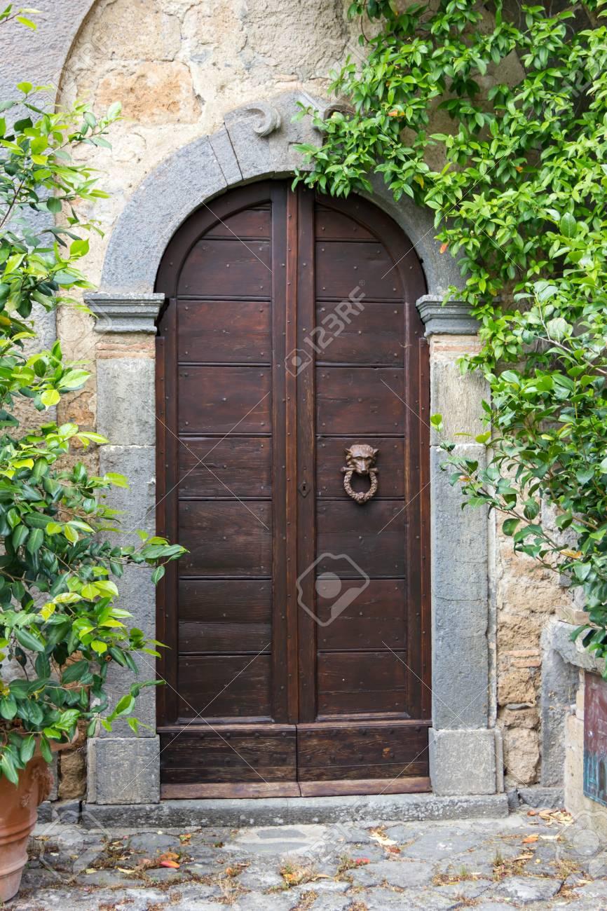 Old Doors - 58540633