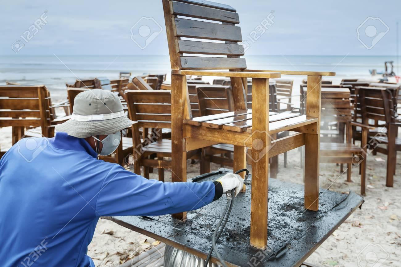 Travailleur Ou Charpentier Claboussure Peint De Rparation