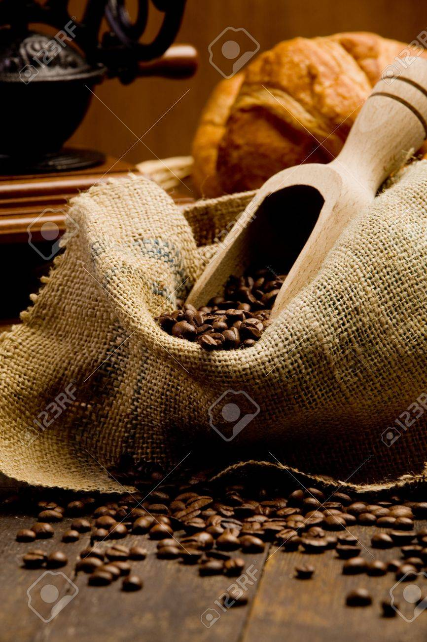 Photo of delicious hot espresso coffee on wooden table Stock Photo - 11969988