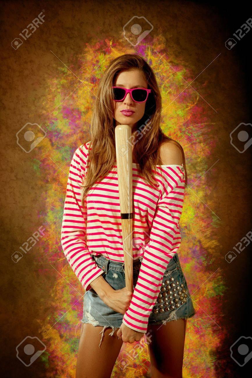девушка с битой картинки