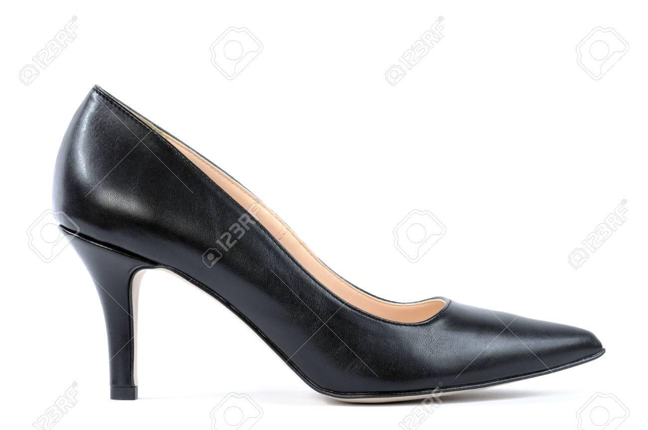 fa0740cc9e Foto de archivo - Zapatos para mujer con tacón alto de color negro  fotografiado sobre fondo blanco.