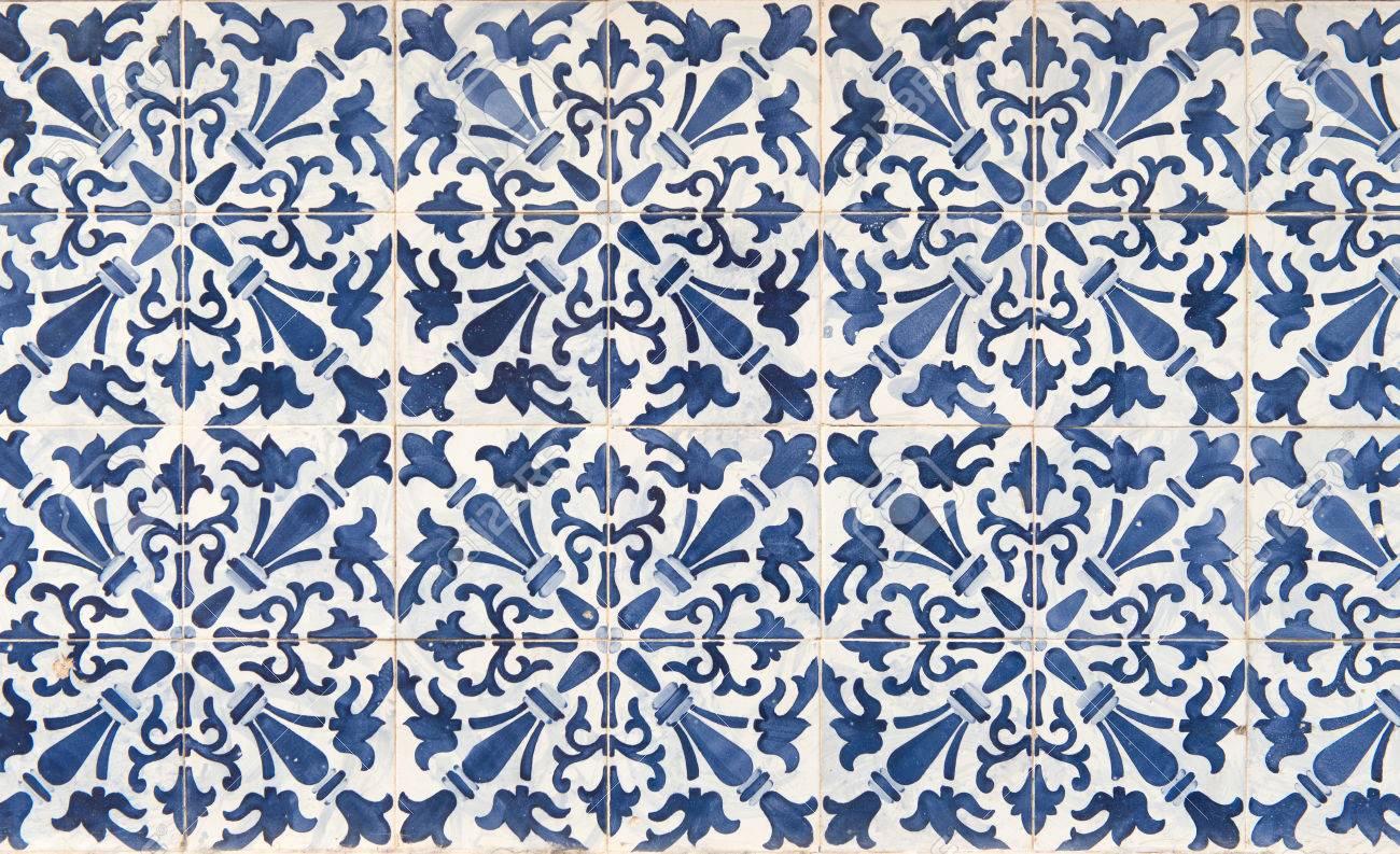 Travaux De Carrelage Bleu Et Blanc Antique Appeles Azulejos