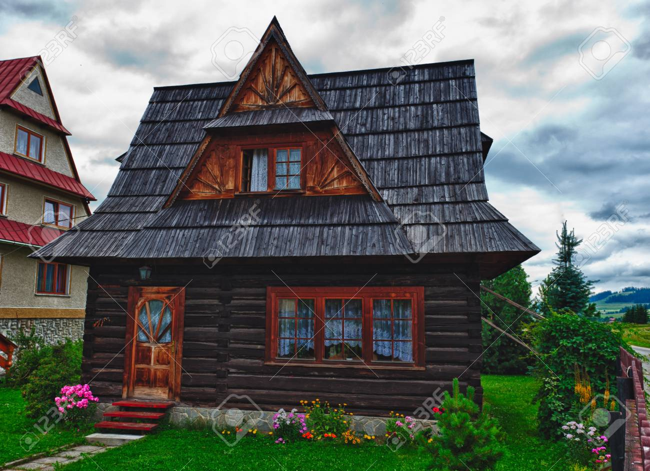 Traditional House in the High Tatra mountains, Poland Stock Photo - 12385627