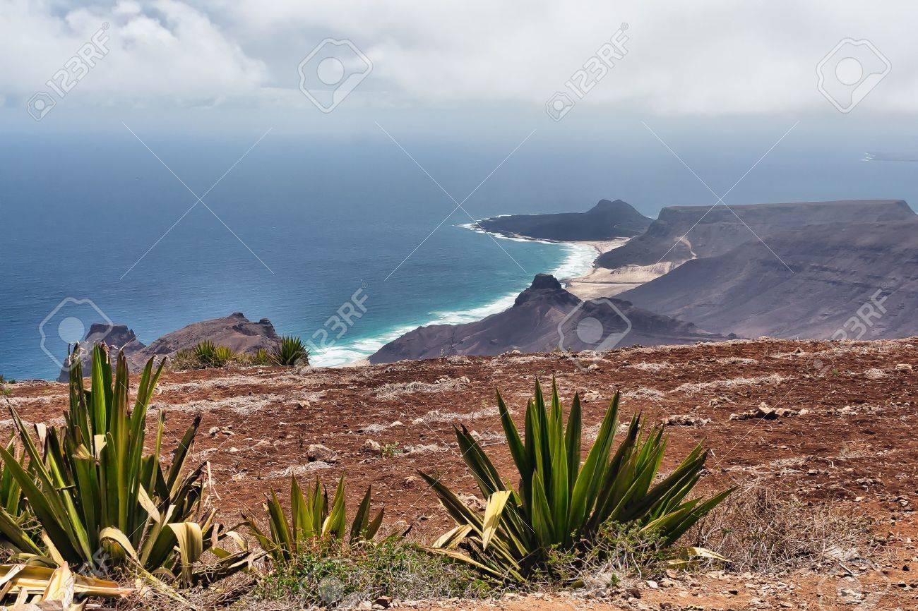 expédition gratuite sélectionner pour véritable officiel de vente chaude Cape Verde from Monte Verde with Calhau in the background –..