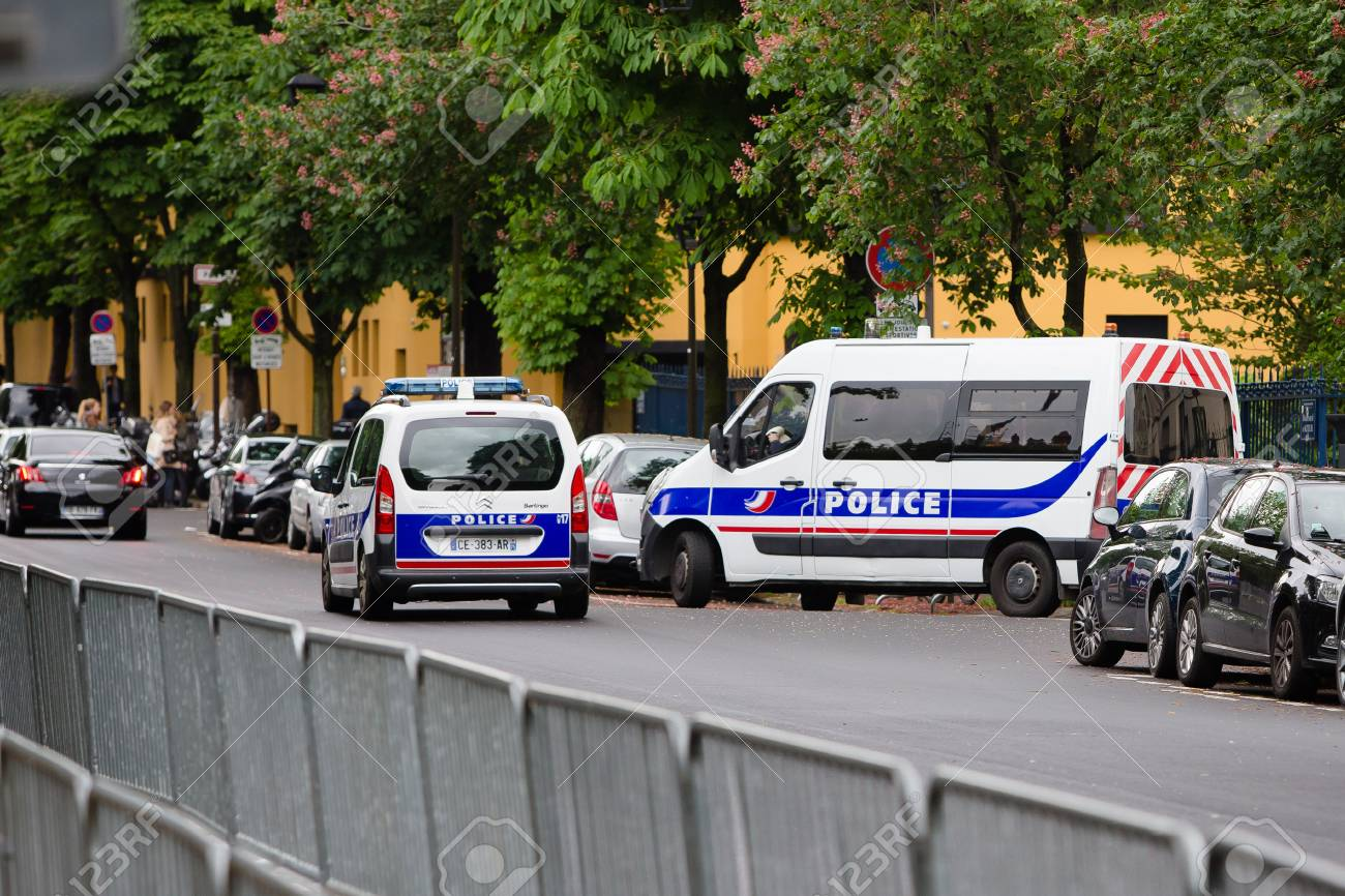 Security - French police control on the street - 58094537