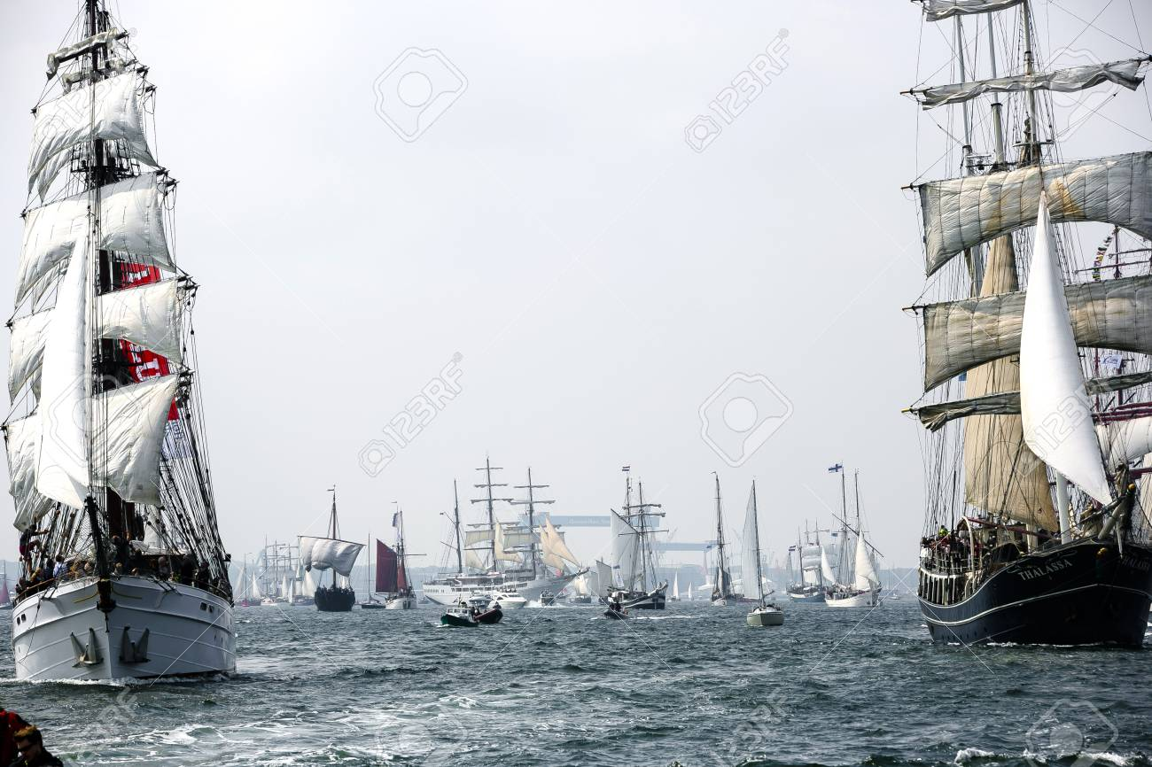 Largest parade of windjammers in the world during Kiel Week - 58094534