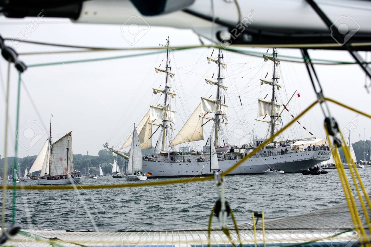 Largest parade of windjammers in the world during Kiel Week - 58094538