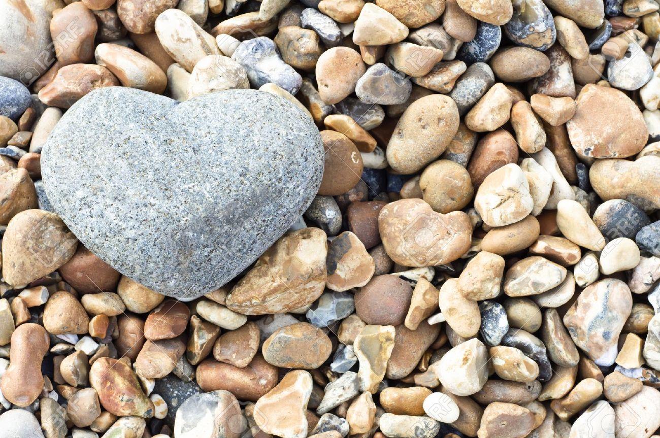 Un Corazón Gris En Forma De Piedra En La Esquina Superior Izquierda ...