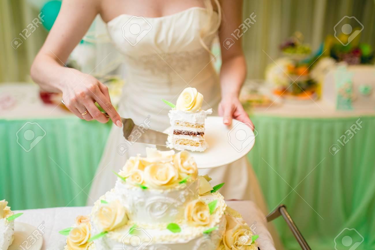 Jungvermahlten Schneiden Kostliche Ungewohnliche Hochzeitstorte