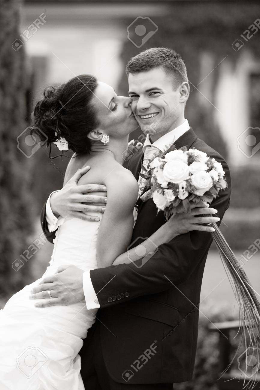 Happy young couple just married Stock Photo - 14462982