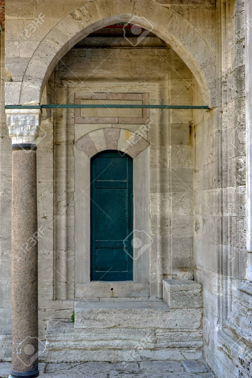 Old green mosque Ottoman wooden door in Instambul with arches and columns Stock Photo - 83187011 & Old Green Mosque Ottoman Wooden Door In Instambul With Arches ...