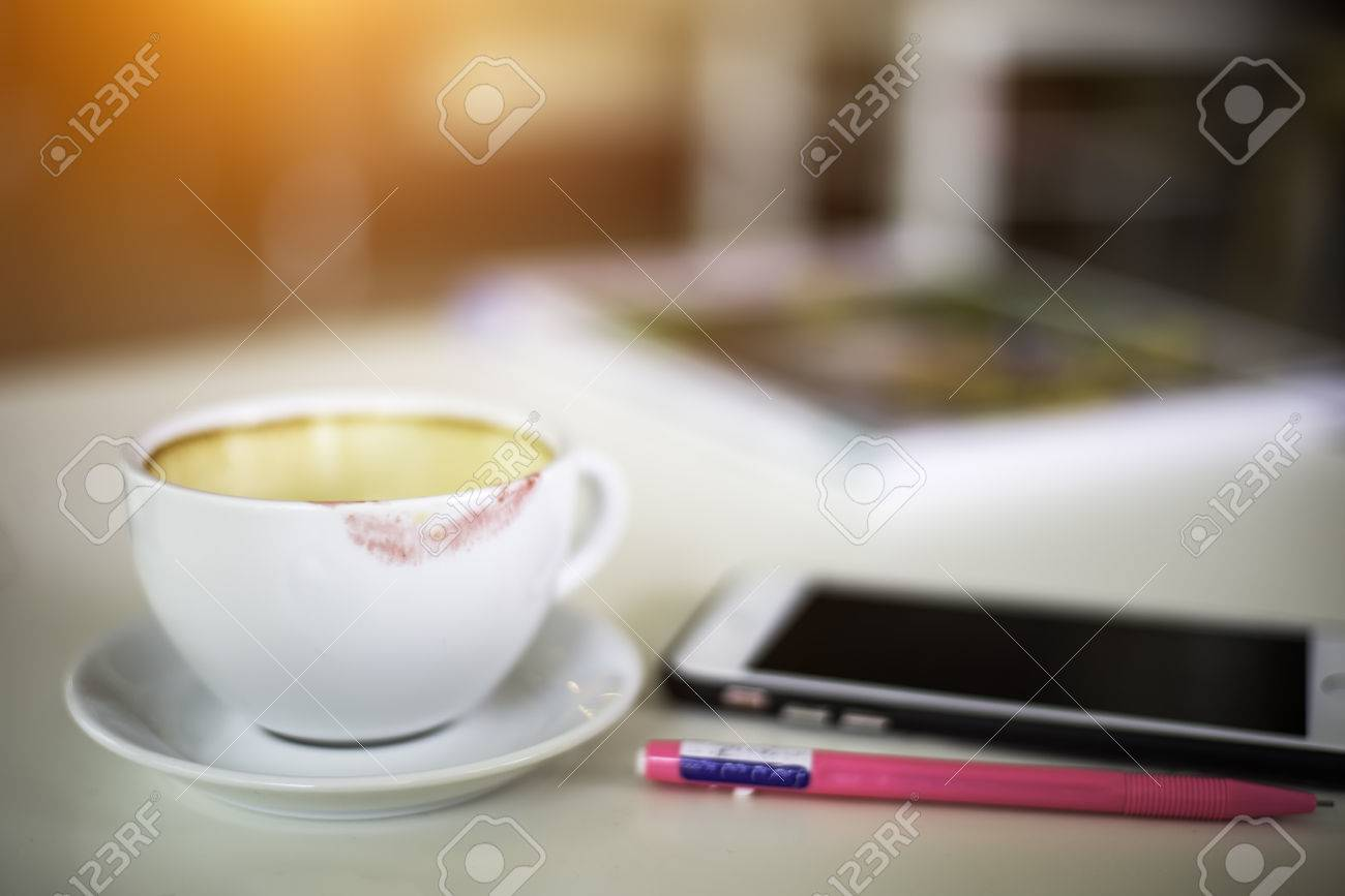 À Tasse DouxLe Café Rouge Lèvres TassesSélectionnez De qSjL5Rc34A