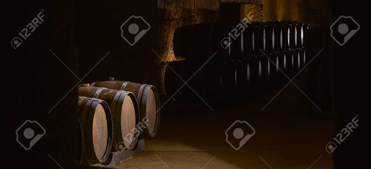 Barrels in Wine Cellar-Bordeaux Wineyard Stock Photo - 47539178