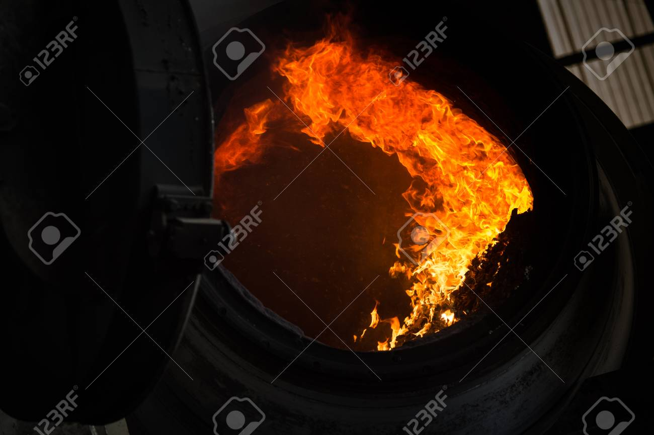 Hot steel pouring in steel plant, iron, aluminium Stock Photo - 71989102