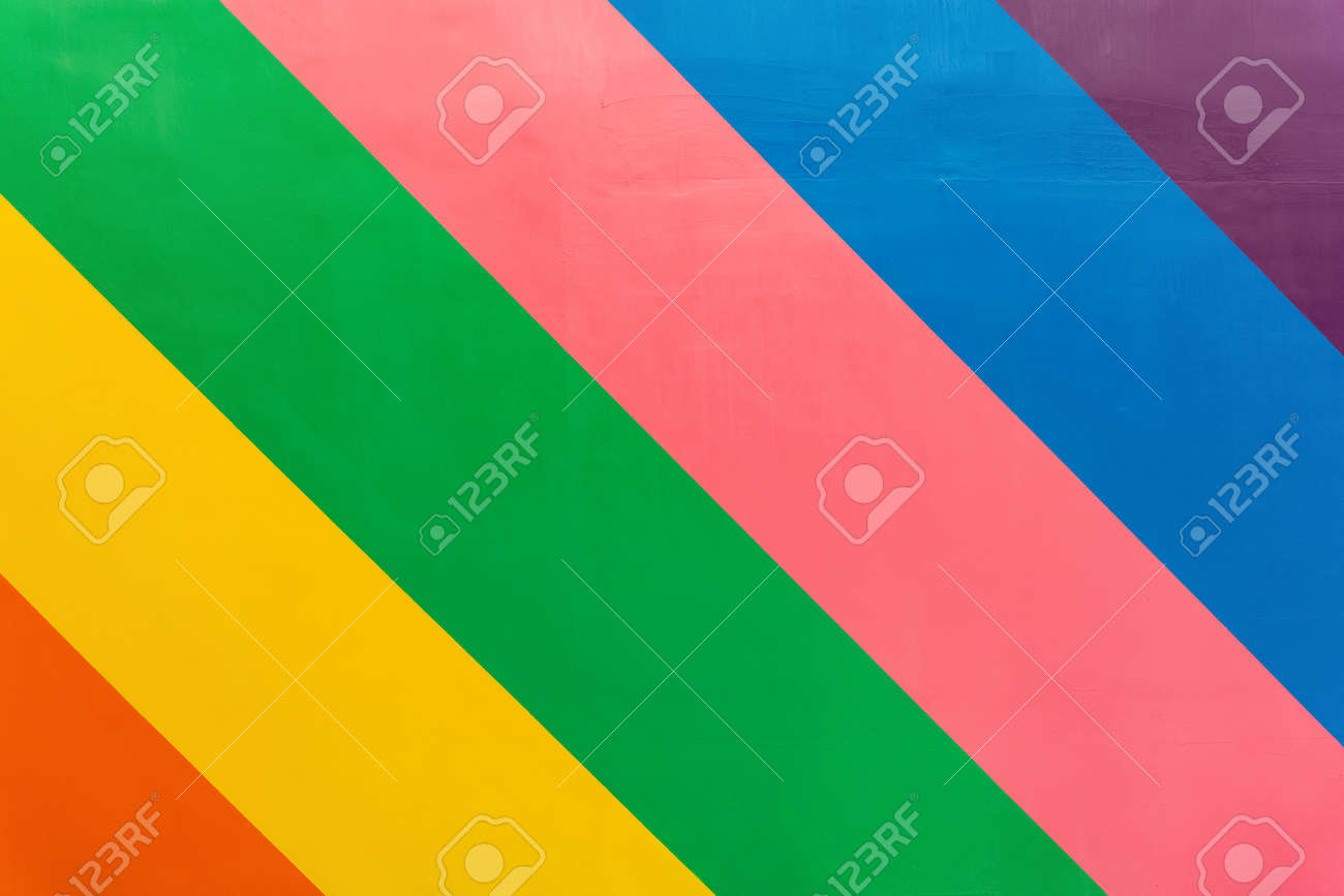 rough wall with 6-color stripes - 166792888