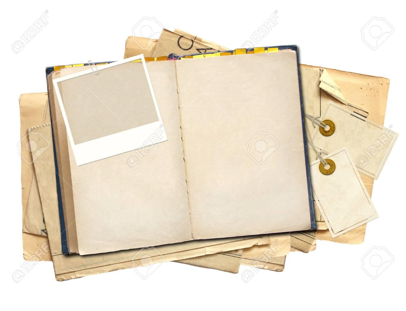 Vieux Livre Objet Isole Sur Blanc