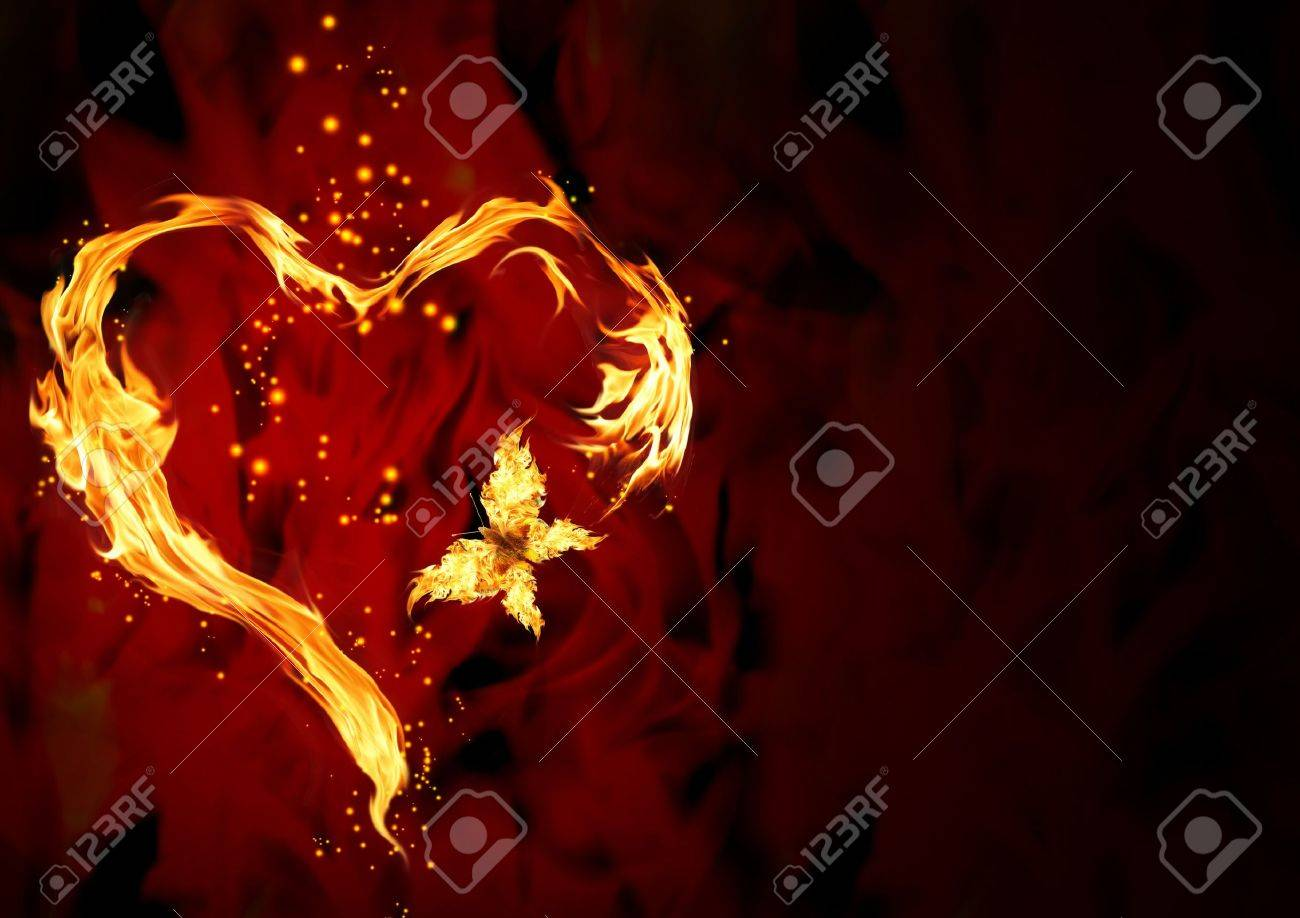 Bright flame in the form of heart Stock Photo - 9041385