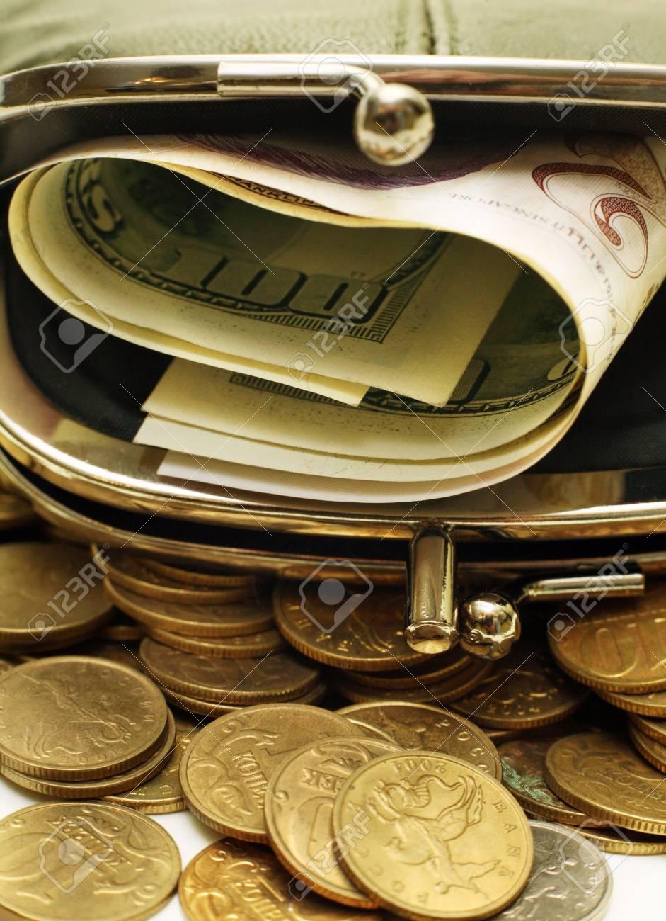 Grüne Leder Beutel Mit Russischen Münzen Die Us Dollar Und Singapur