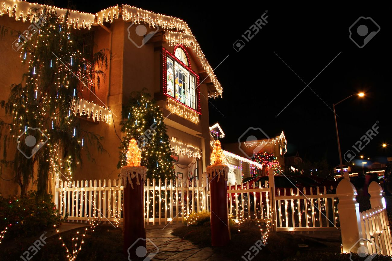 House With Christmas Lights.Decorated House With Christmas Lights In San Francisco