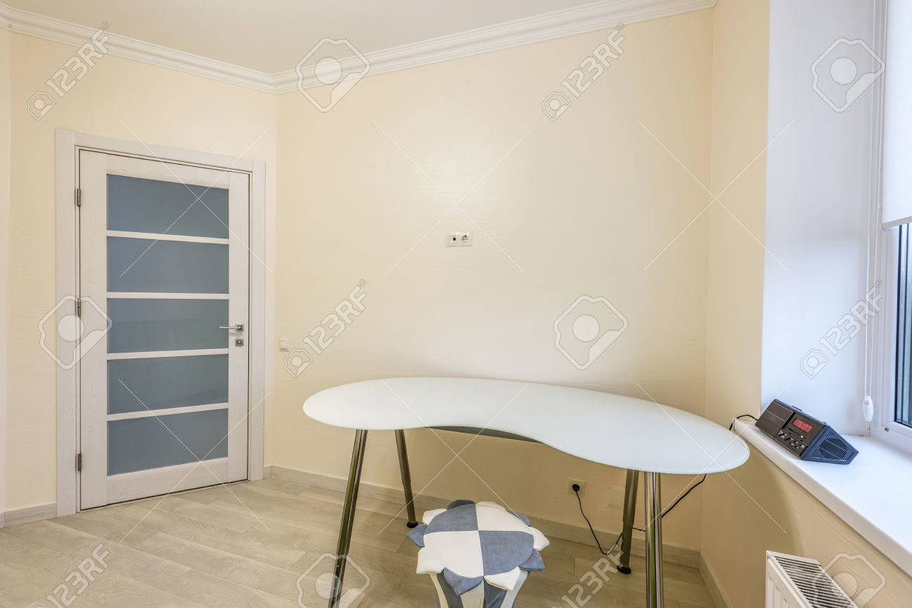 Stock Foto Weiße Wohnung Innenarchitektur Schlafzimmer, Modernen ...