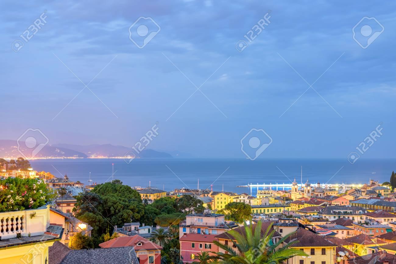 Immagini Stock Bella Notte Vista A Santa Margherita Ligure Città E