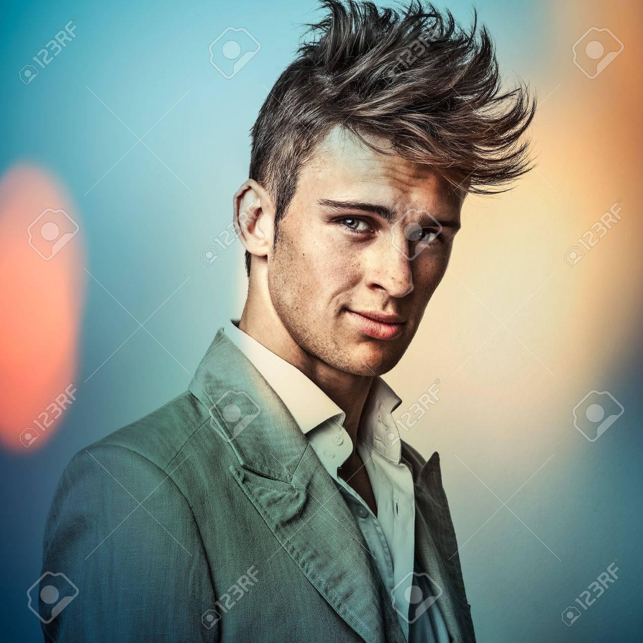 L'image multicolore portrait de jeune homme élégant beau Banque d'images - 19320604