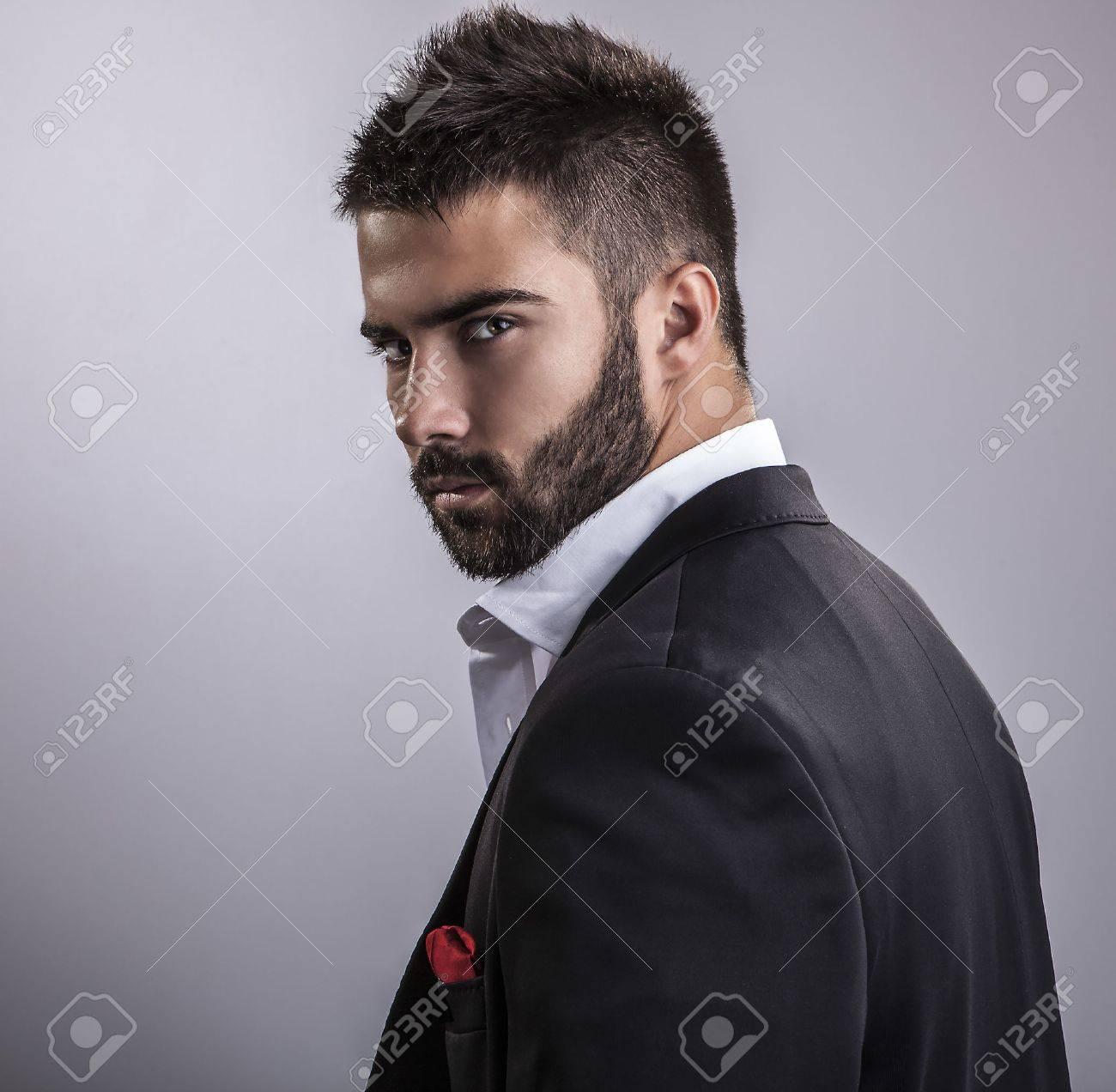 Élégant jeune homme beau studio mode portrait Banque d'images - 22572274