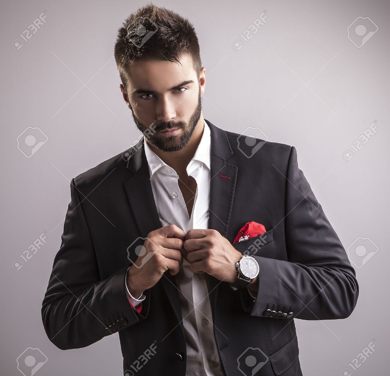 Elegant young handsome man  Studio fashion portrait Banque d'images - 22572302