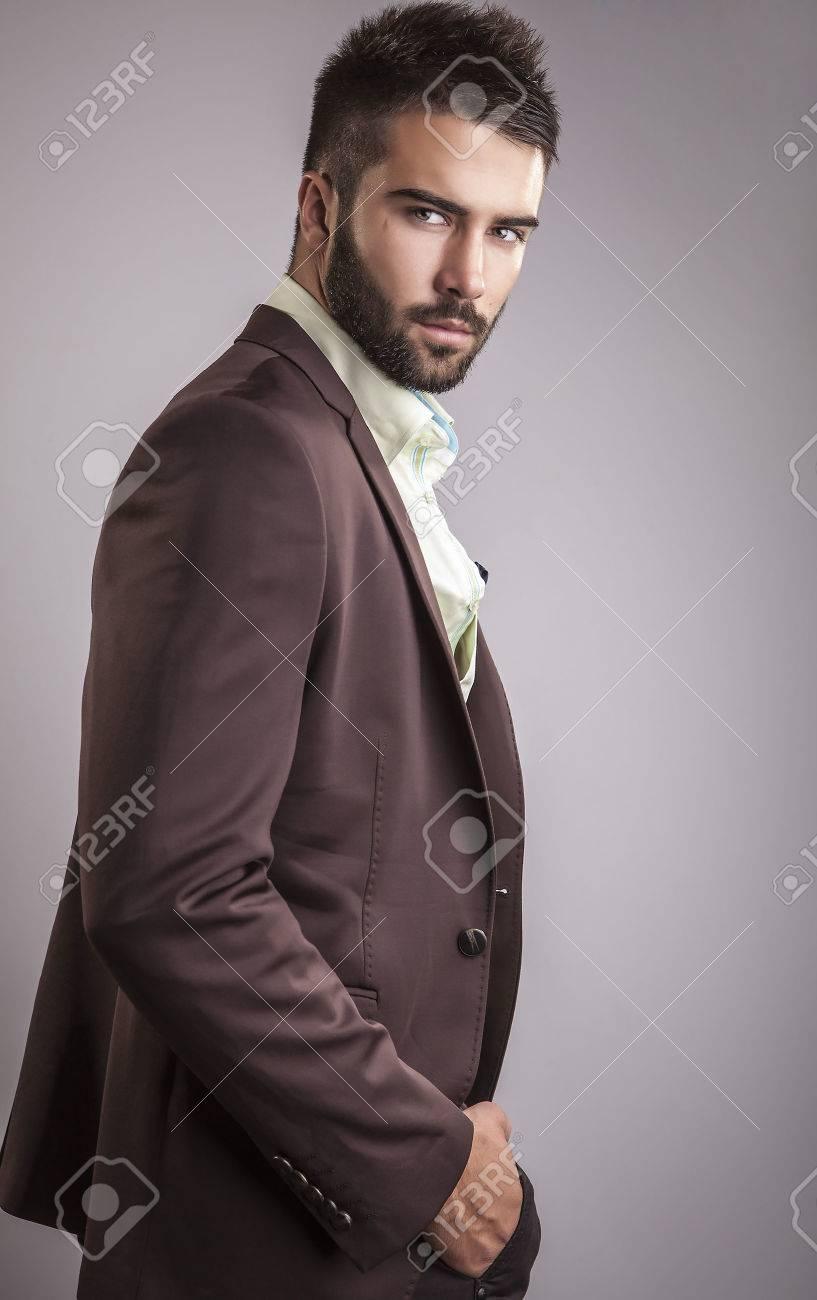 ?l?gant jeune homme beau portrait de mode studio Banque d'images - 22572376