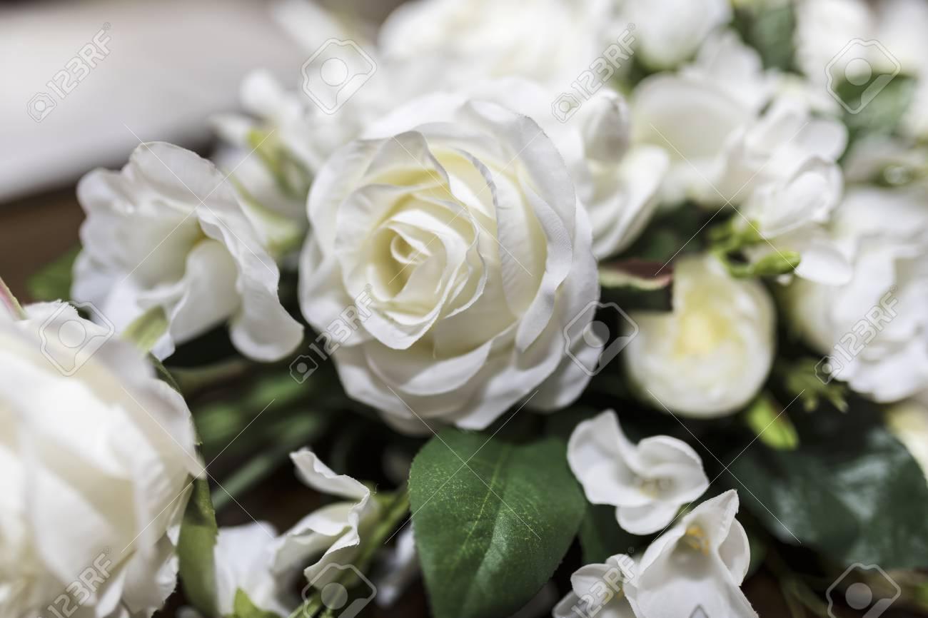 Weisse Rosen Die Blumenstrauss Hochladen Schossen Nah Oben Mit Einer