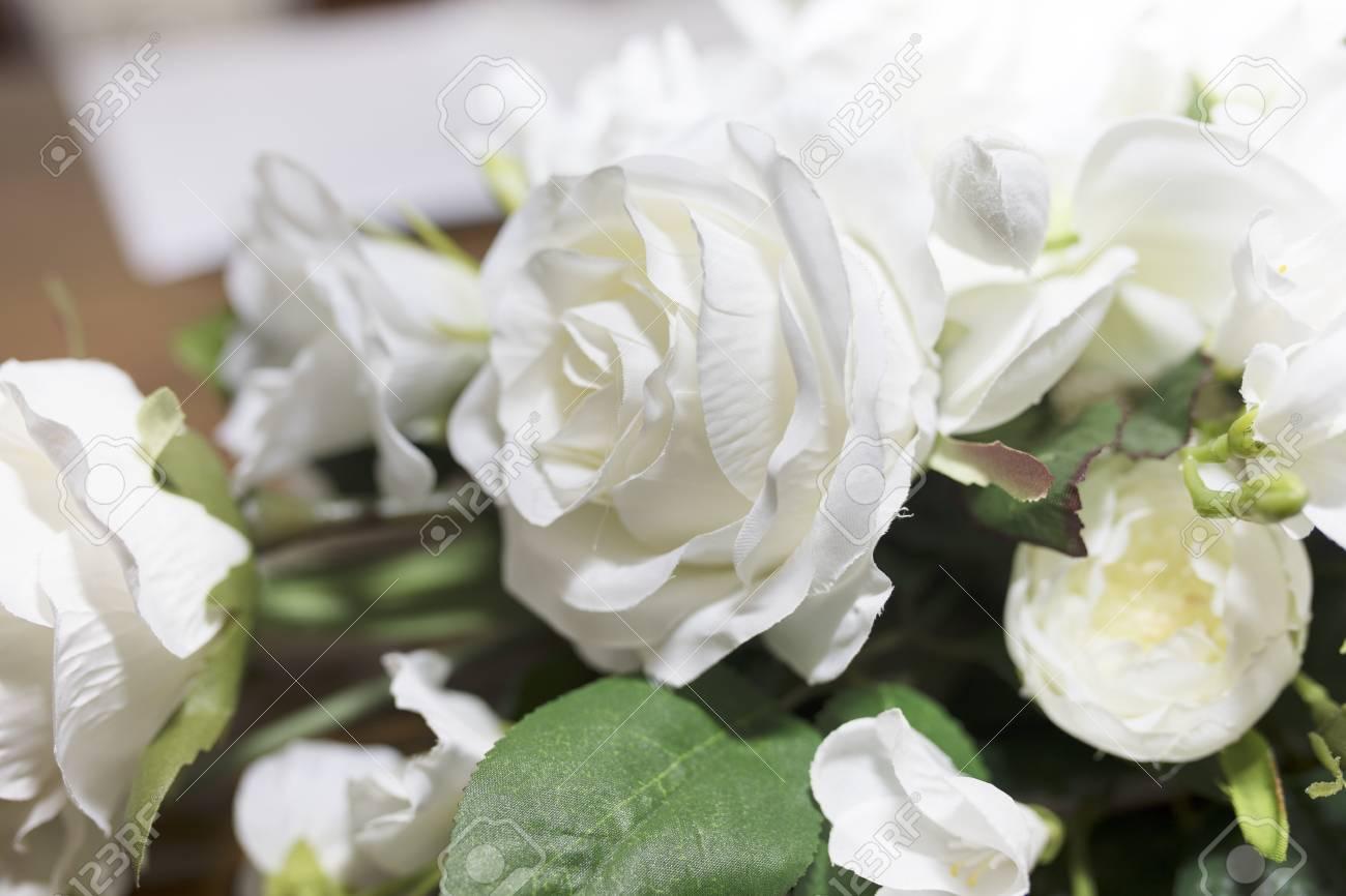 Mazzo Di Fiori Un Inglese.Immagini Stock Il Mazzo Di Nozze Delle Rose Bianche Dei Fiori Ha