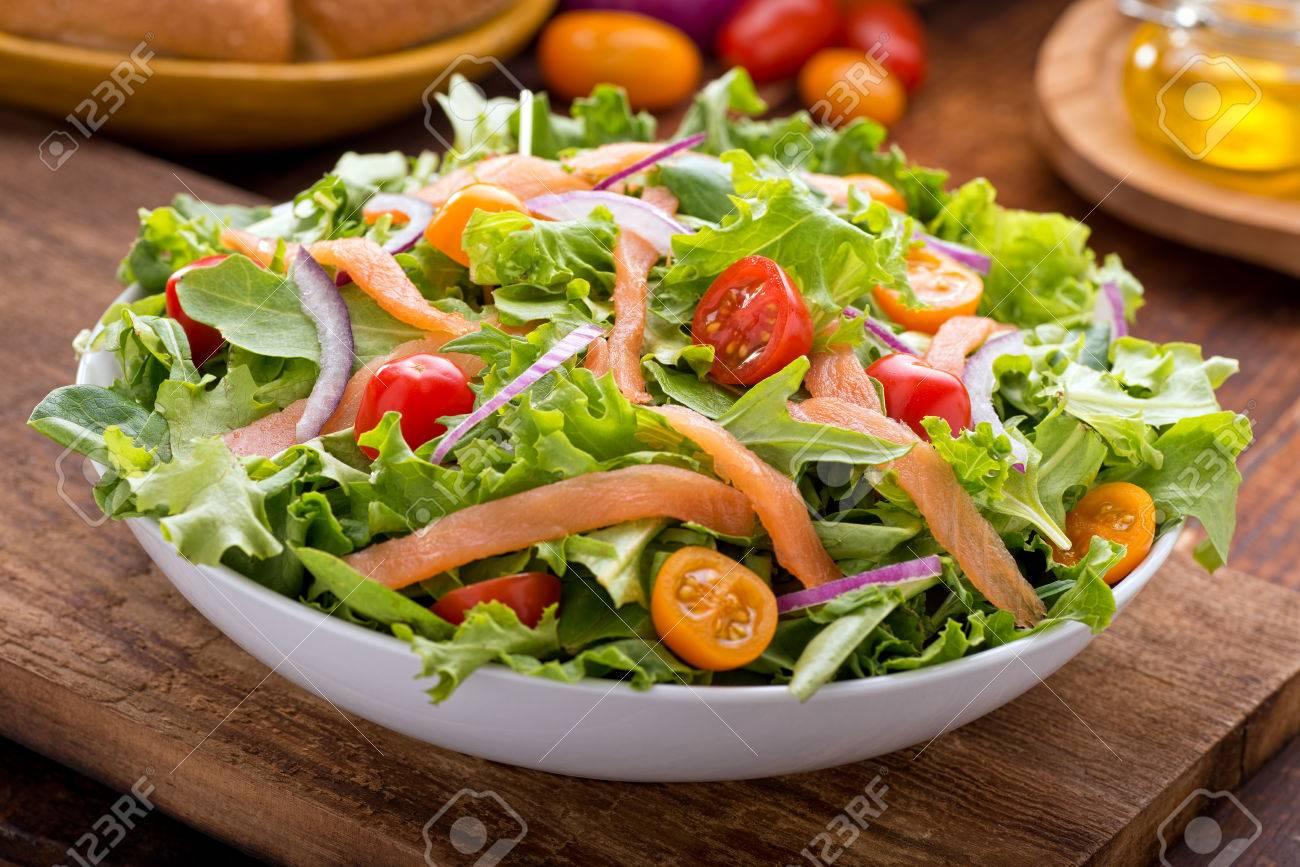 """Résultat de recherche d'images pour """"salade mesclun et saumon"""""""