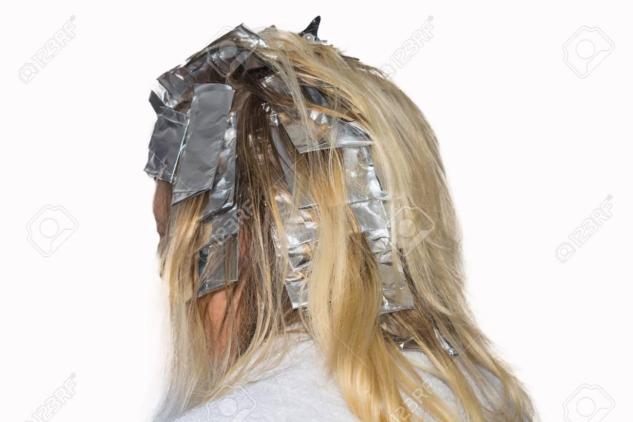 Frau Mit Blonden Haaren In Der Vorbereitung Für Haarfärbung
