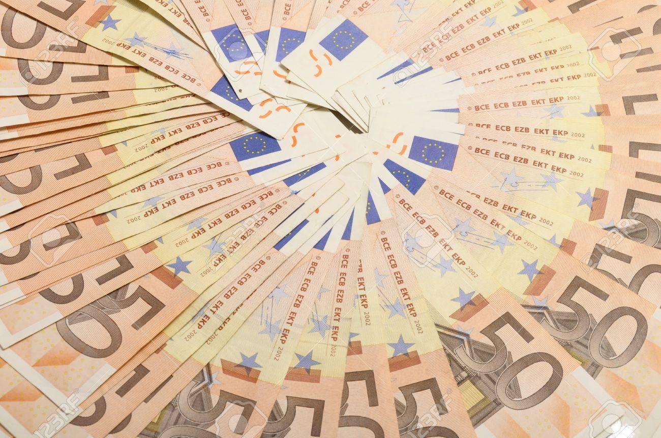 Mucho Dinero Cincuenta Billetes De Euros Para El Fondo Dispuestas En