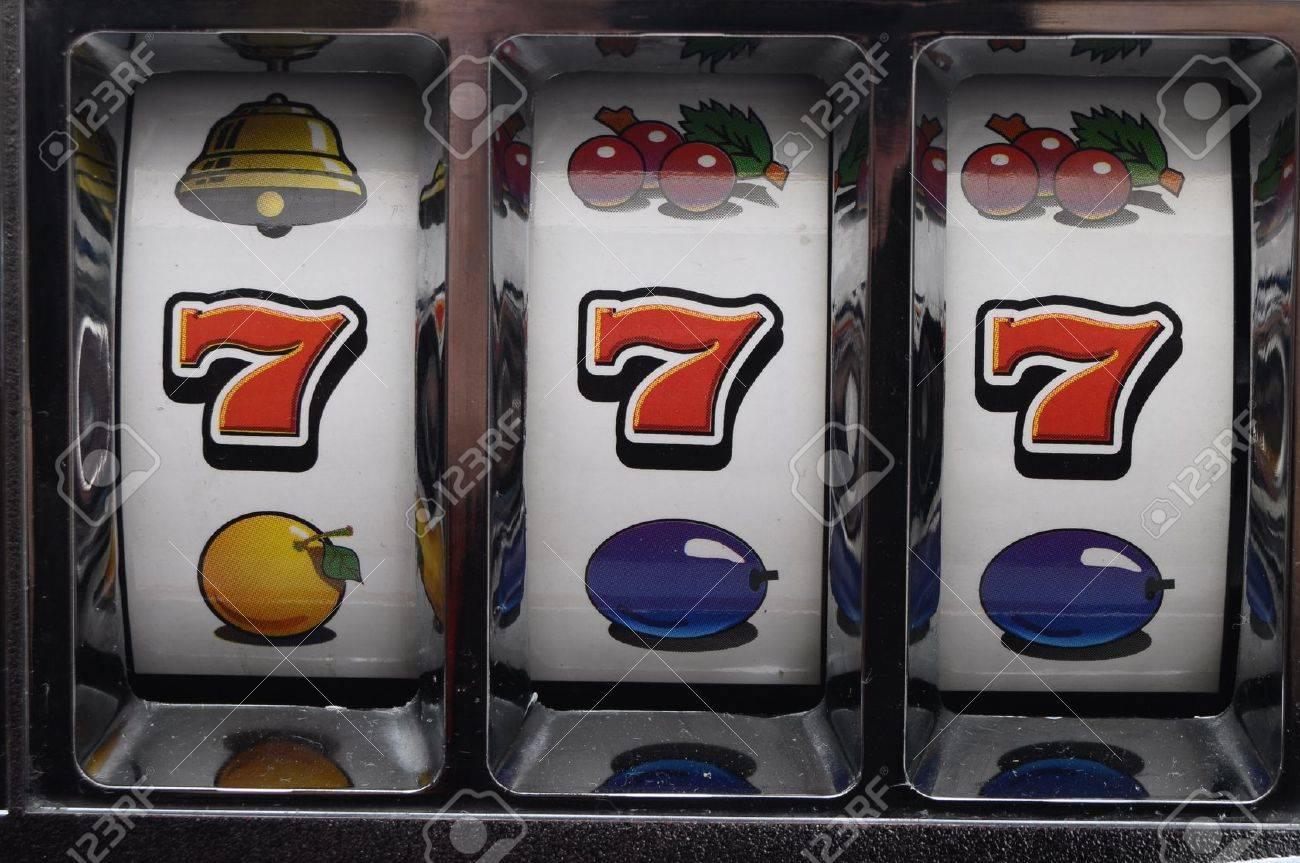 играть бесплатно игровые автоматы оливер