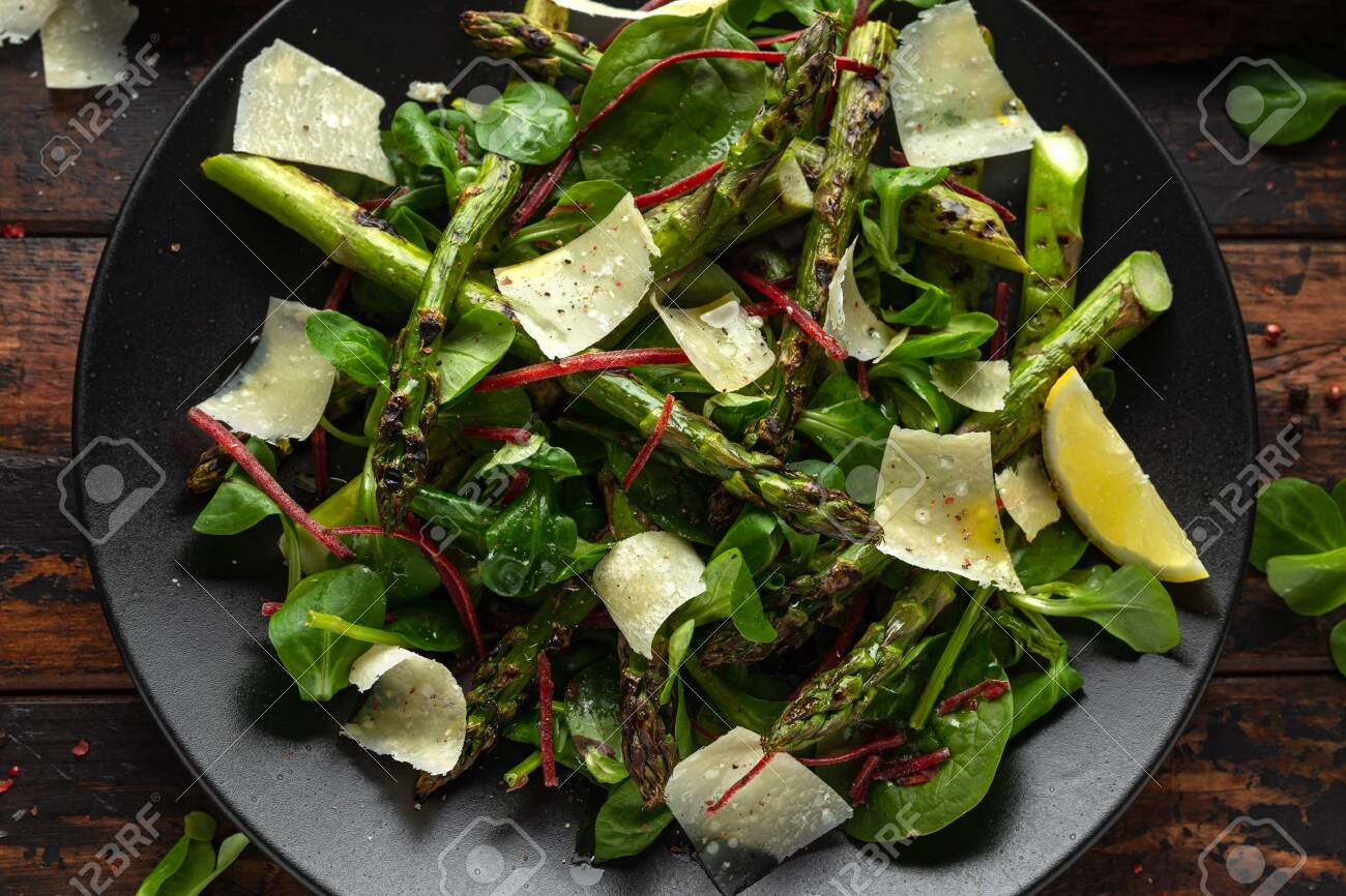 Grilled Asparagus salad with green vegetables and parmesan cheese - 126127002