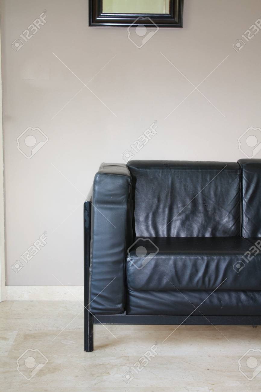 Interior design: Black leather sofa Stock Photo - 5386870